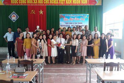 Buổi gặp mặt chia tay Thầy giáo Lê Bá Thuần- nguyên BTCB- HT nhà trường.